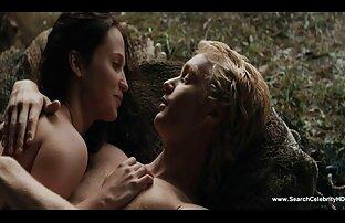सेट पर एक सेक्सी फिल्में वीडियो मूवी कठिन सवारी के लिए गधा तैयार करना