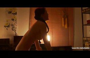 उसने अपनी पत्नी को नहीं छोड़ा और उसे तुरंत लिविंग रूम में सोने के लिए आमंत्रित किया गया हिंदी सेक्सी पिक्चर फुल मूवी वीडियो